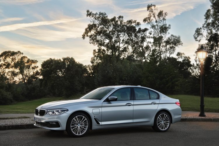 2017 BMW 530e iPerformance22 750x500
