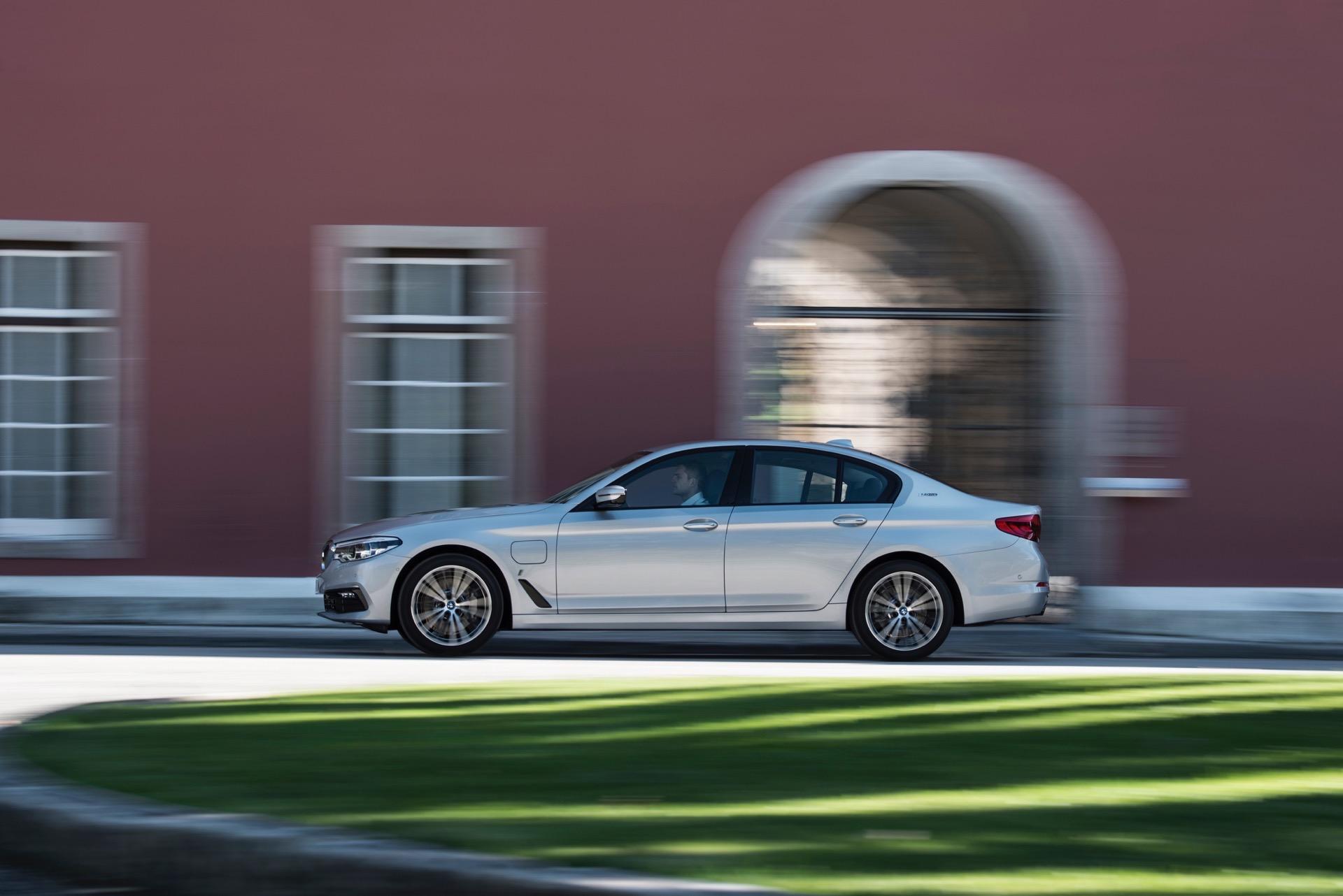 2017 BMW 530e iPerformance5
