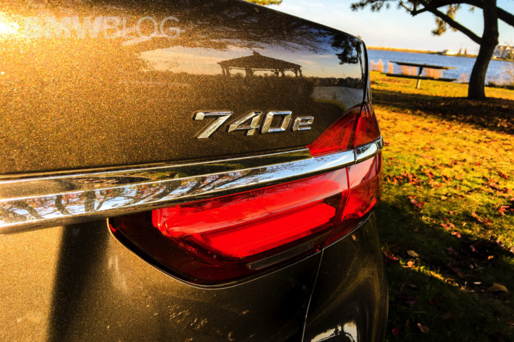 2017 BMW 740e 40 750x500
