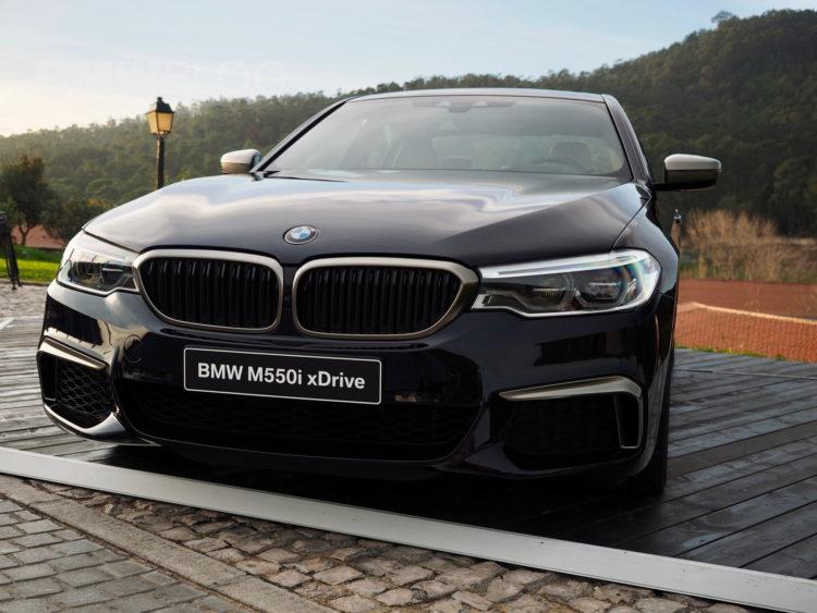 2017 BMW M550i images 07 750x563