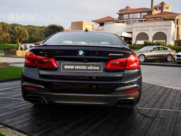 2017 BMW M550i images 12 750x563