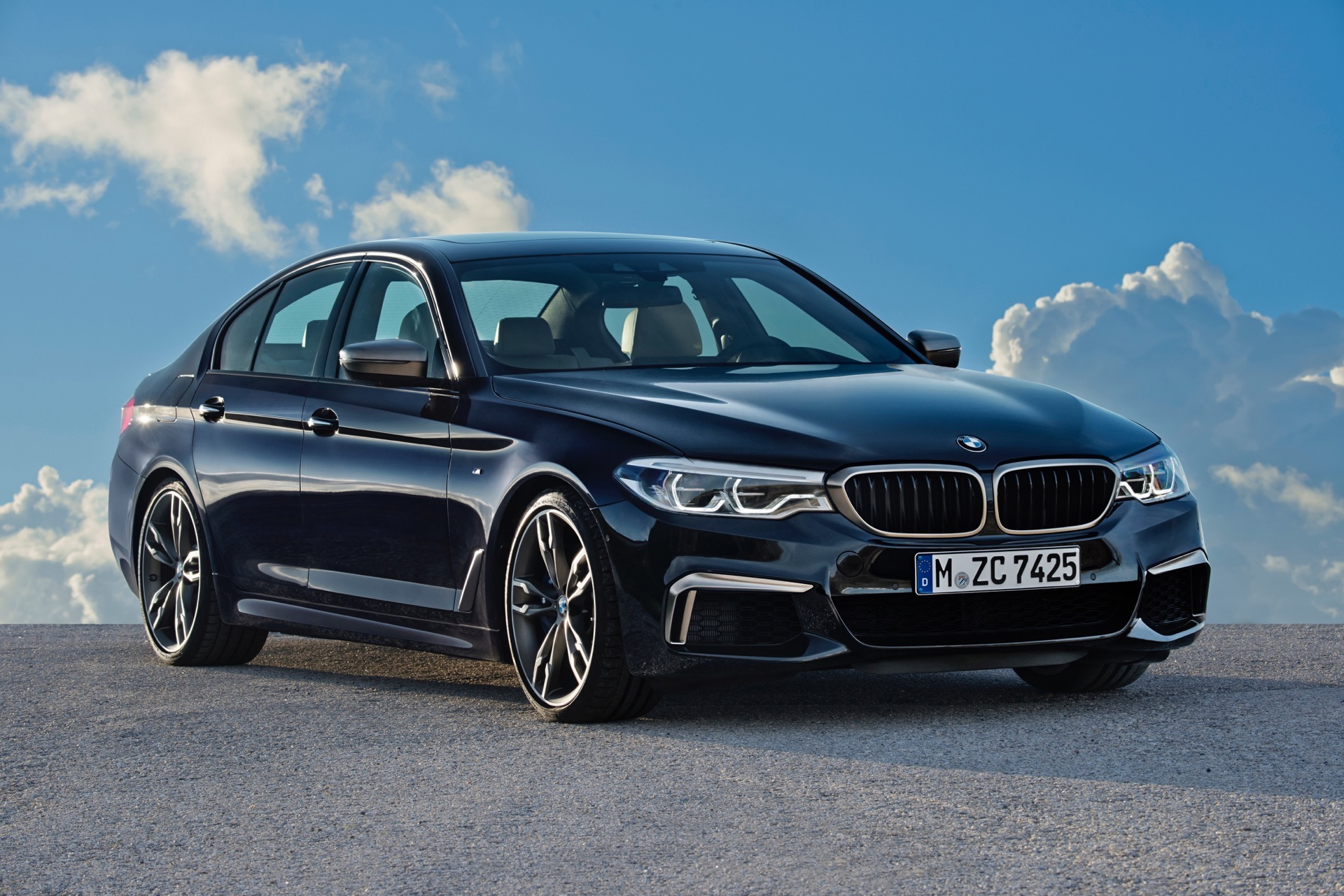 2018 BMW M550i xDrive M Performance11