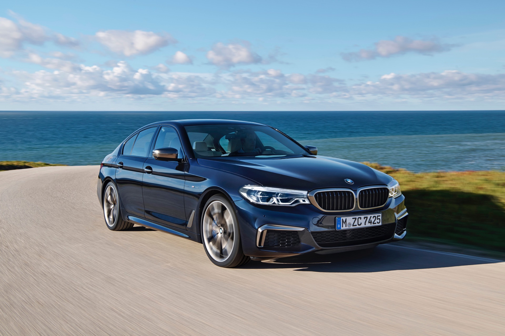 2018 BMW M550i xDrive M Performance18
