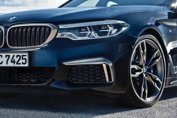 2018 BMW M550i xDrive M Performance2 750x500
