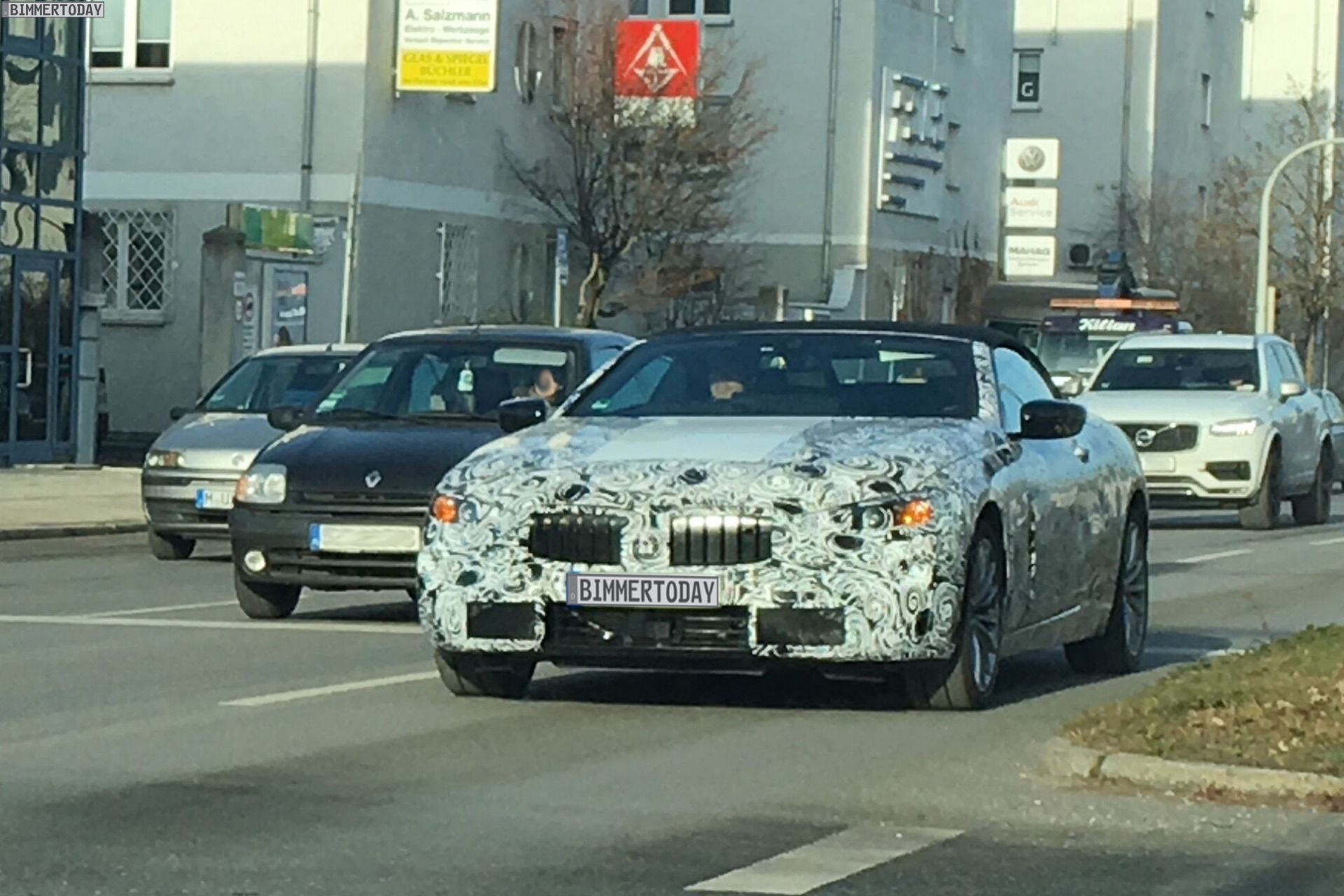 SPIED BMW 8 Series Convertible Does Drifts In The Snow