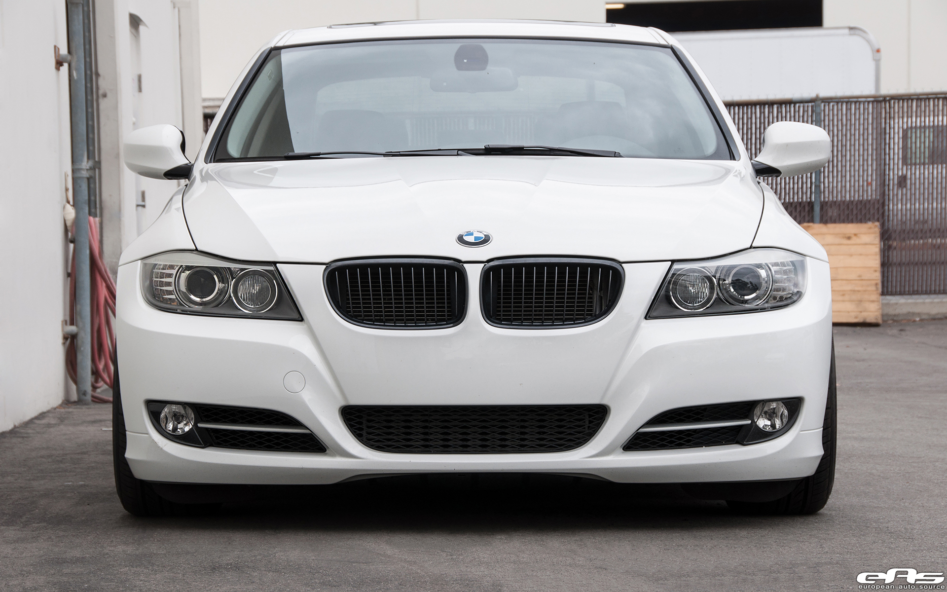 Bmw Old Models >> Alpine White BMW E90 335i Gets A Set Of Aftermarket Wheels