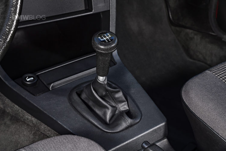 BMW-E28-5-Series-13