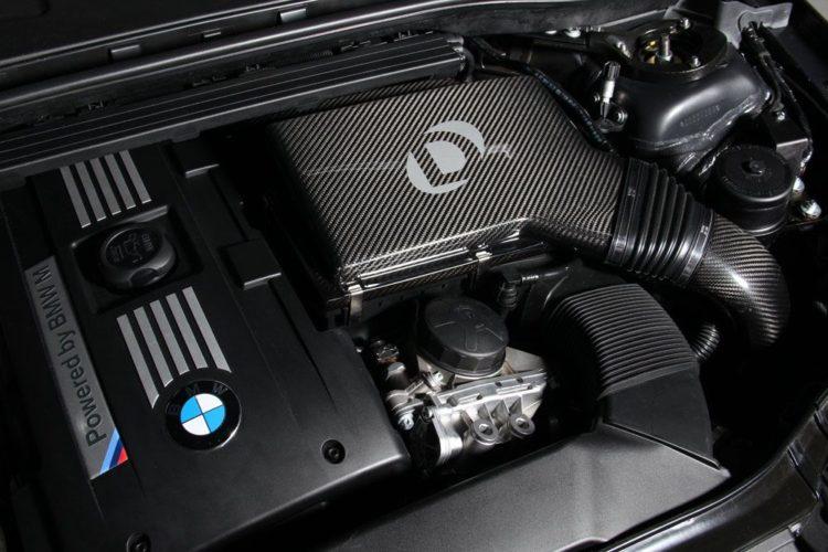 Dinan-Carbon-Fiber-ColdAirIntake-BMW-E8x-E9x-JS_1452779301