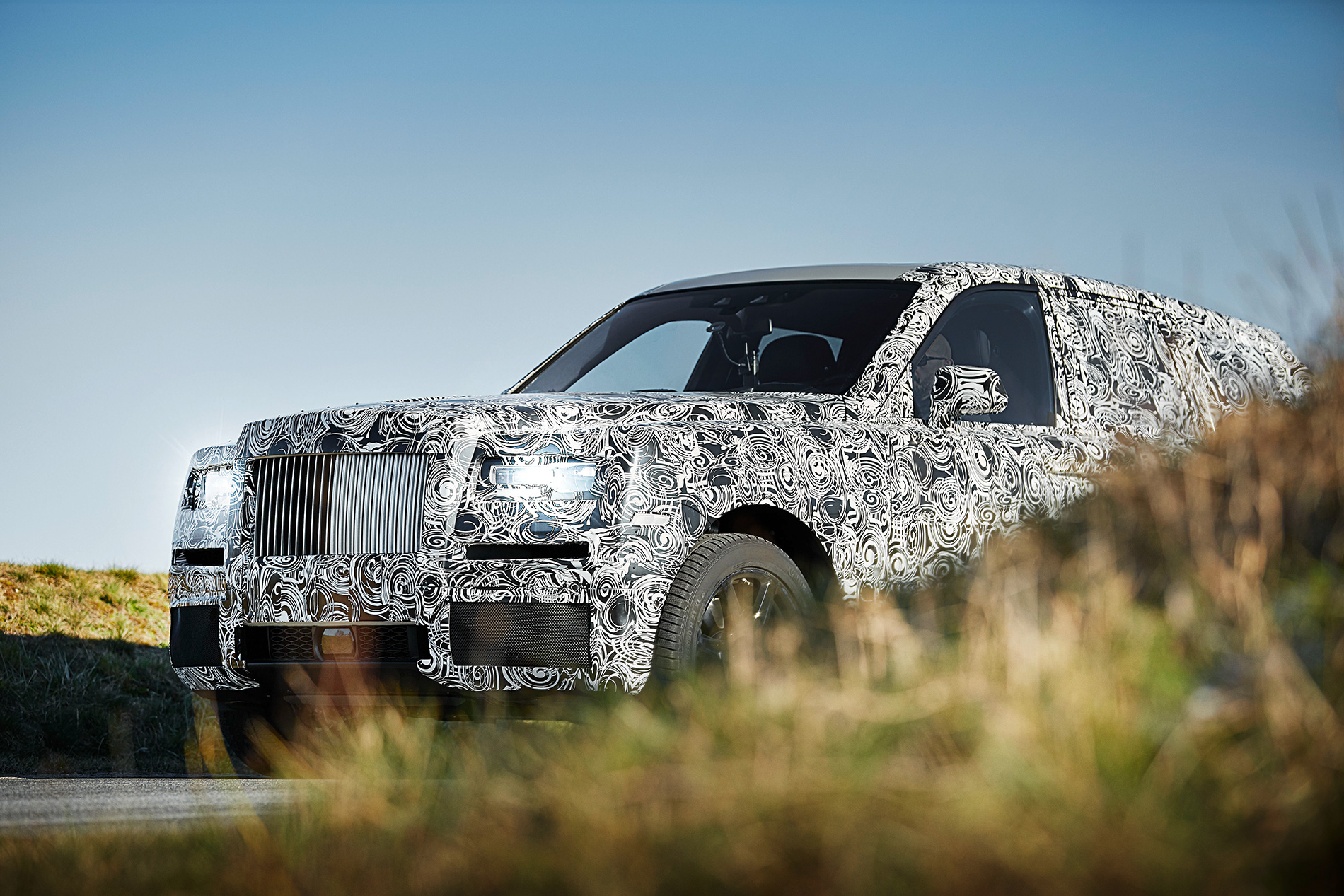 rolls royce suv project