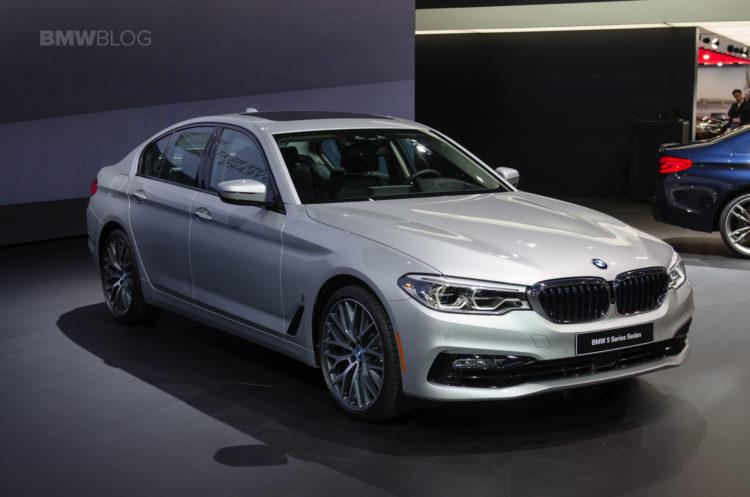 2017-BMW-5-Series-Detroit-23