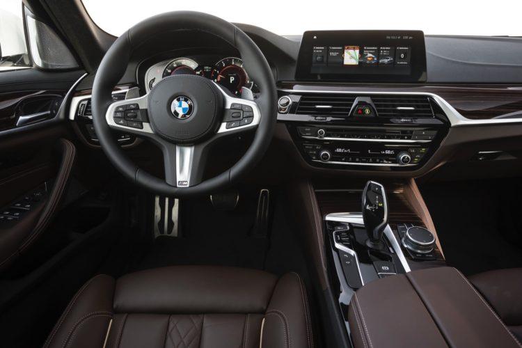 2017 BMW 5 Series G30136 750x500