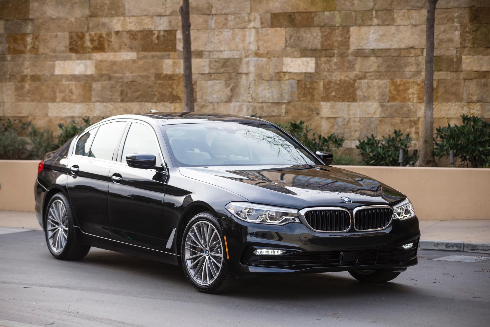 2017 BMW 5 Series G30153