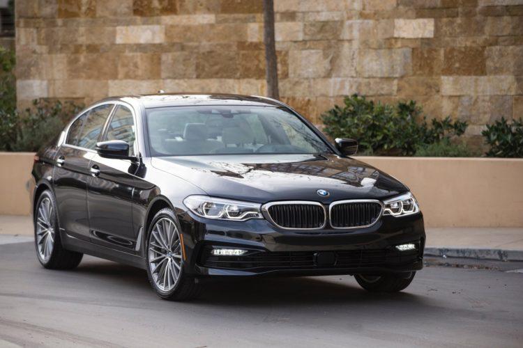 2017 BMW 5 Series G30155 750x500