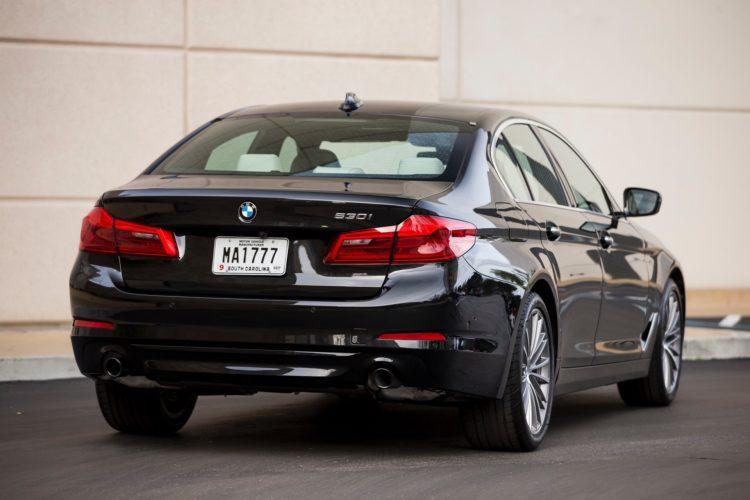 2017 BMW 5 Series G30160 750x500