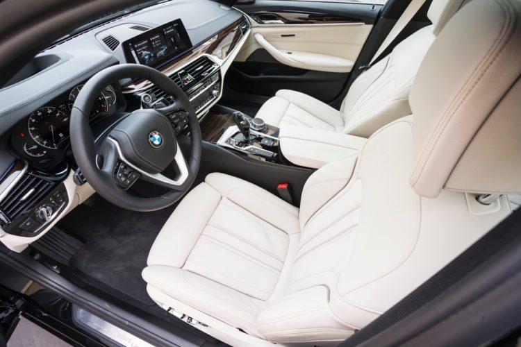 2017 BMW 5 Series G30168 750x500