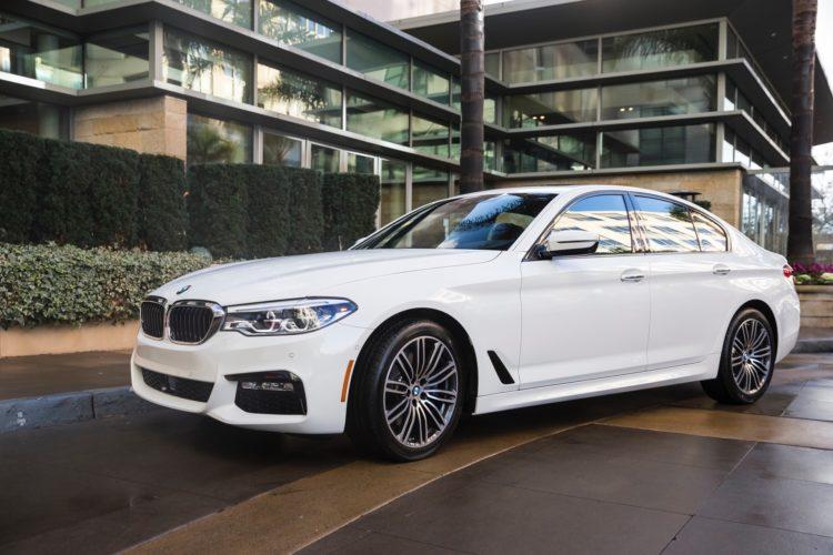 2017 BMW 5 Series G30210 750x500