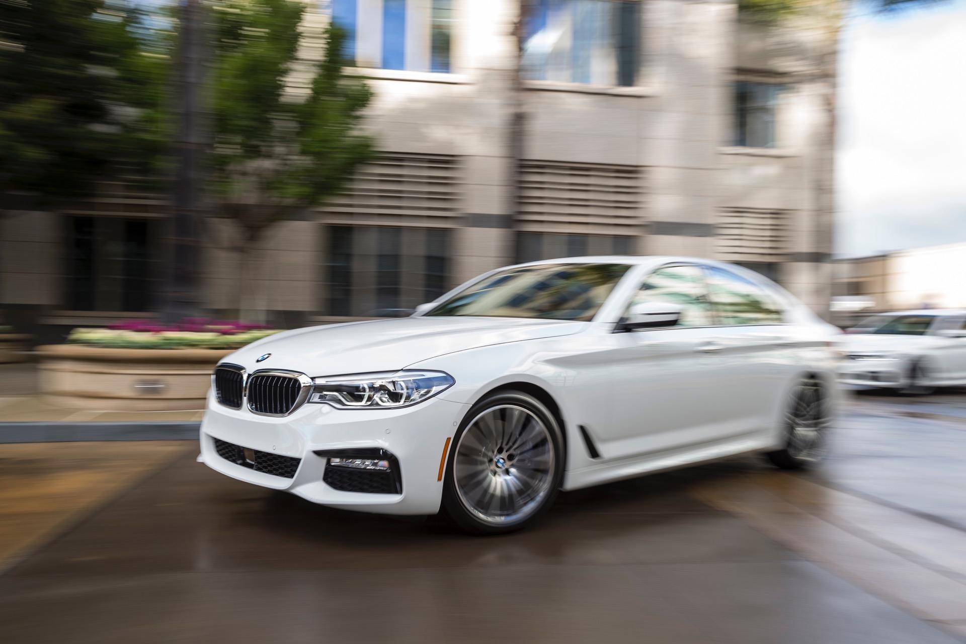 2017 BMW 5 Series G30223