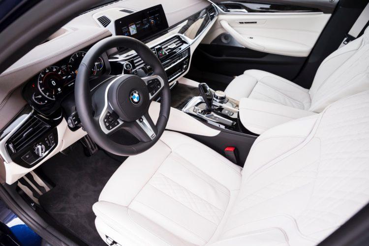 2017 BMW 5 Series G3097 750x500