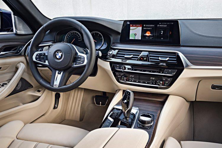 2017 BMW 5 Series Image 17 750x500