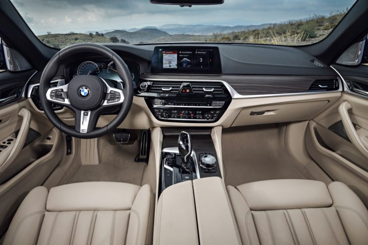 2017 BMW 5 Series Image 18 750x500