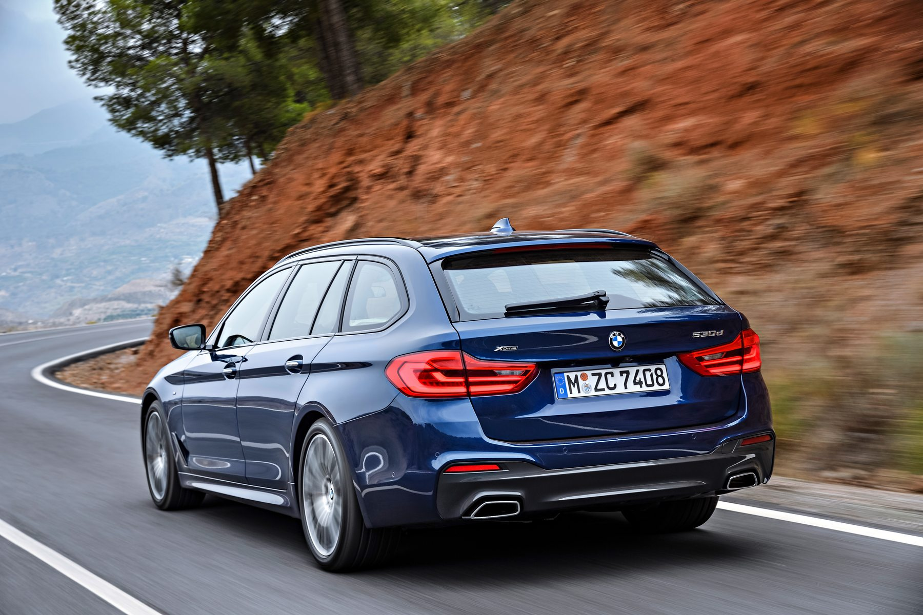2017 BMW 530d xDrive Touring Image 21