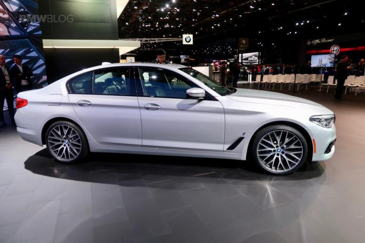 2017 BMW 530e Detroit Auto Show 18 750x500