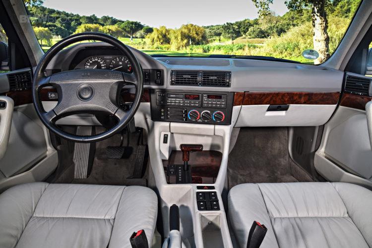 BMW-E34-5-Series-13
