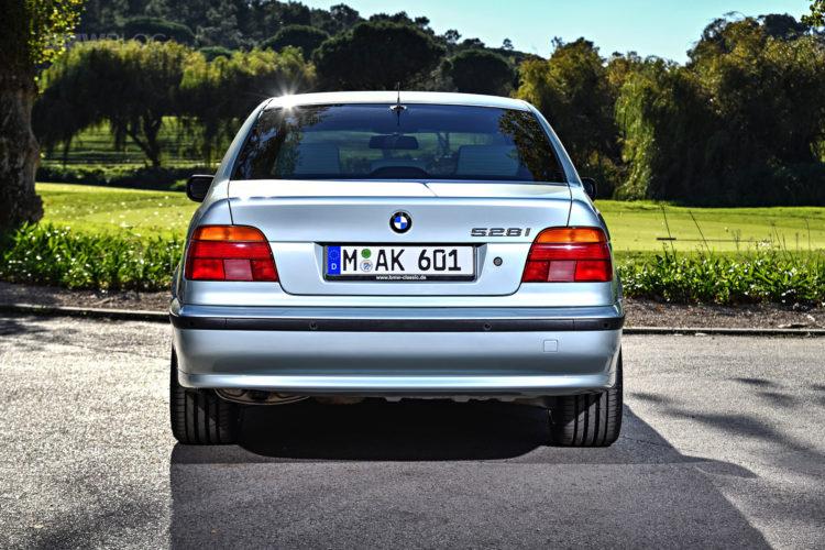 BMW E39 5 Series photos 06 750x500