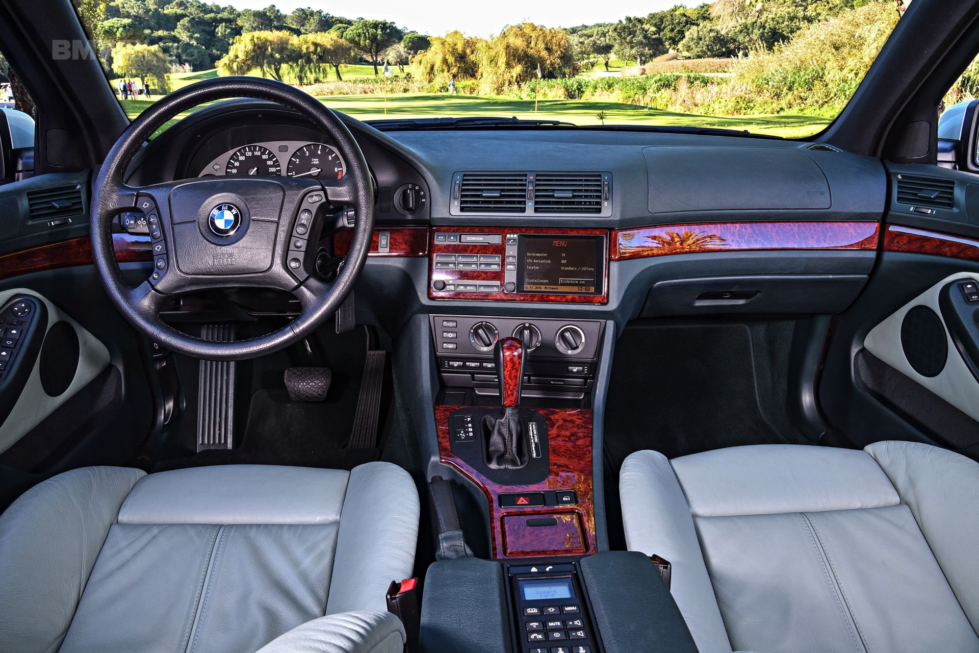 BMW E39 5 Series photos 12