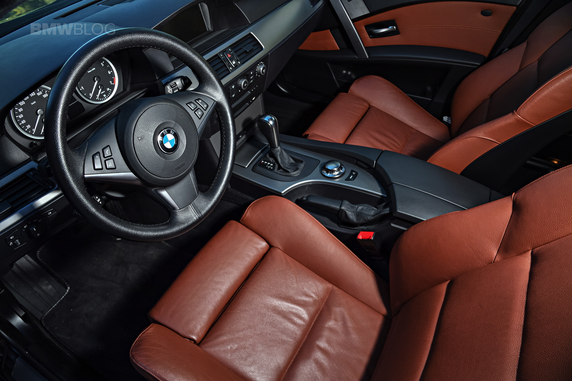 BMW E60 5 Series images 16