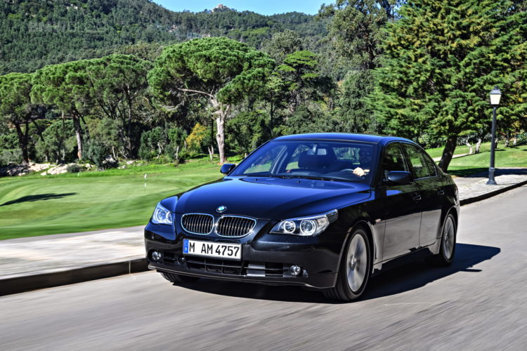 BMW E60 5 Series images 18 750x500