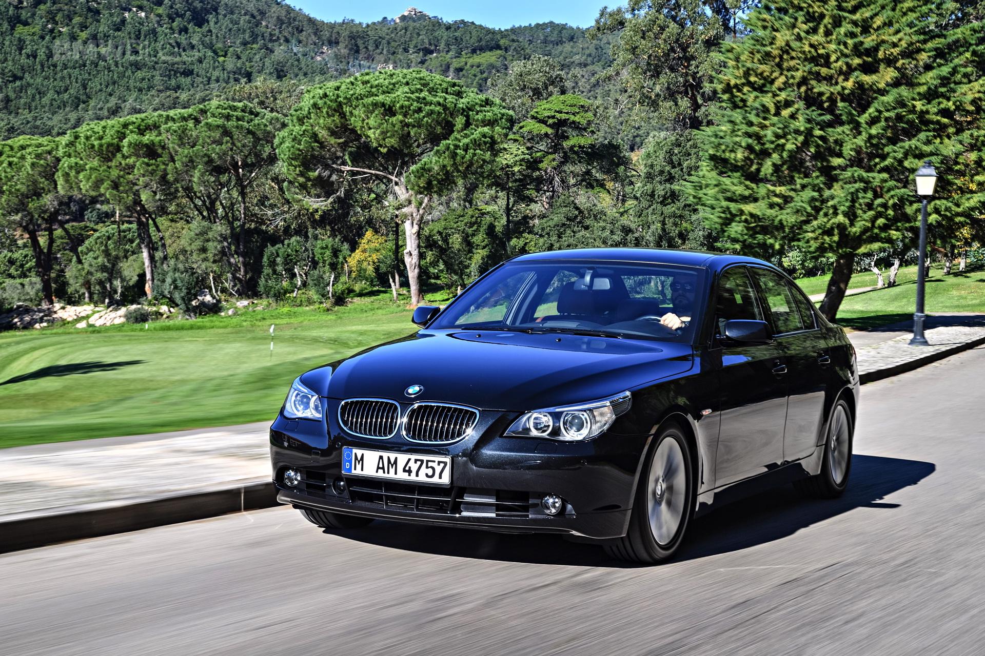 BMW E60 5 Series images 18