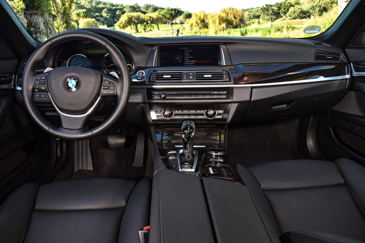 BMW F10 5 Series images 13 750x500