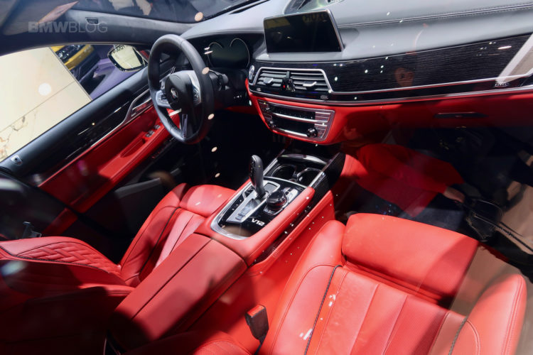 BMW M760Li Detroit Auto Show 08 750x500
