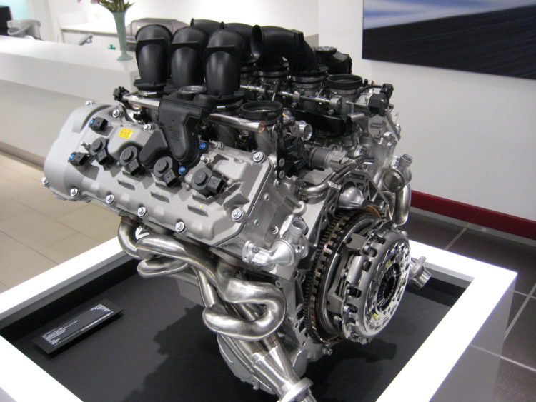 BMW S65 Engine Model 750x563