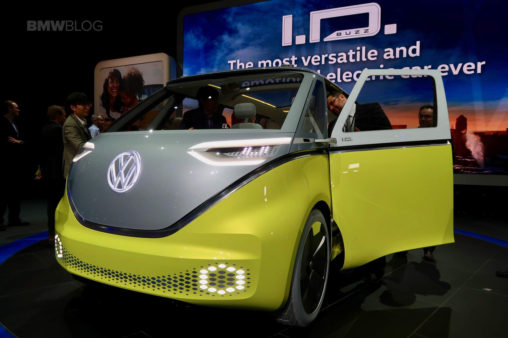 Vw Launches The Electric I D Buzz At The 2017 Detroit