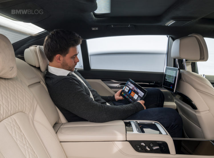 future of personalized, connected mobility-BMW-06