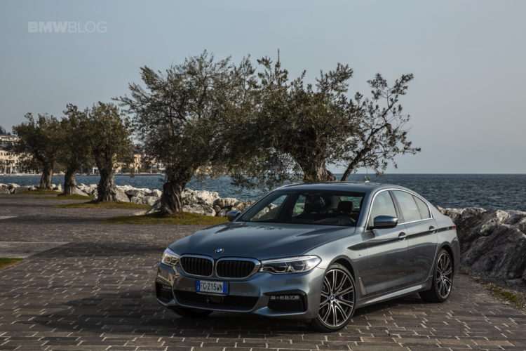 2017 BMW 5 Series Italy 30 750x500