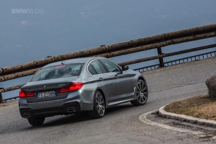 2017 BMW 5 Series Italy 34 750x500