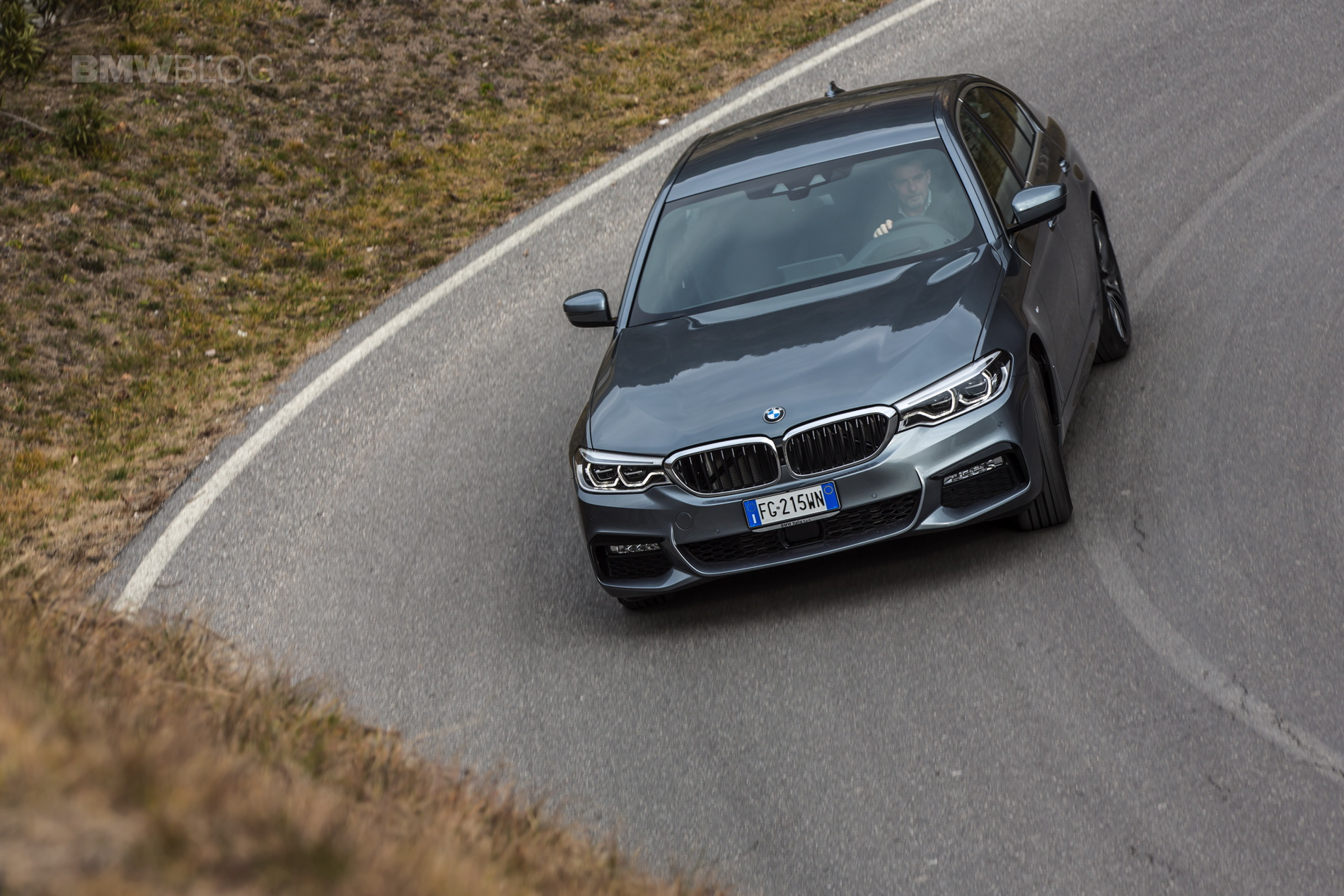 2017 BMW 5 Series Italy 36