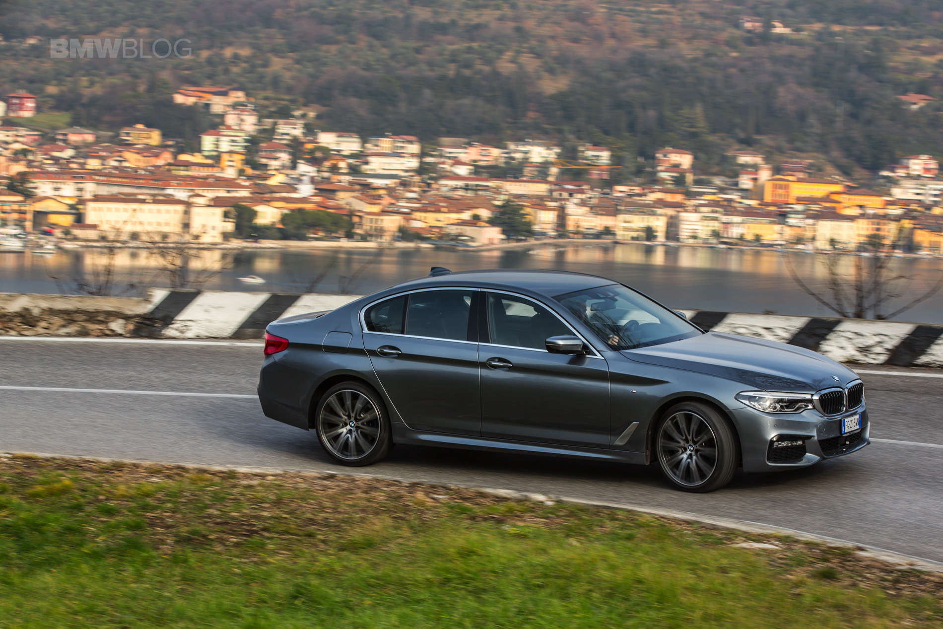2017 BMW 5 Series Italy 46
