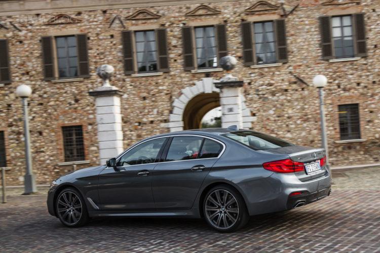 2017 BMW 5 Series Italy 79 750x500