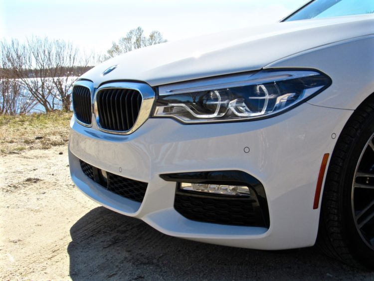 2017 BMW 530i sDrive M Sport11 750x563