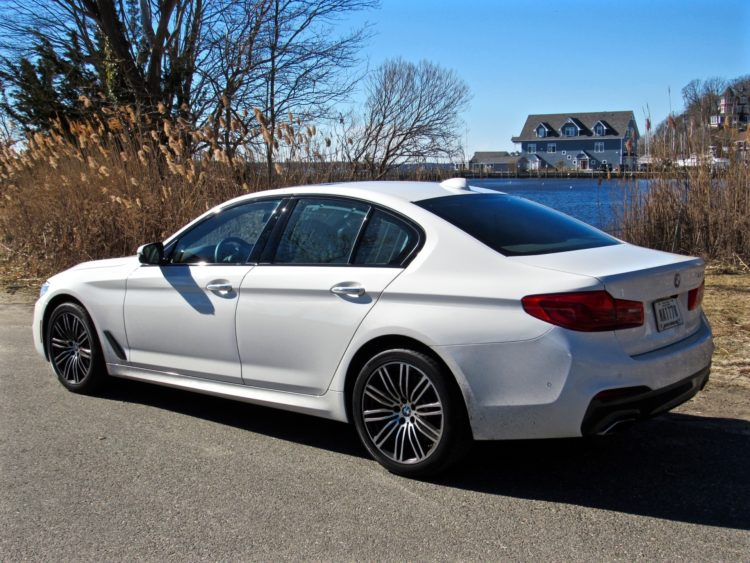 2017 BMW 530i sDrive M Sport36 750x563