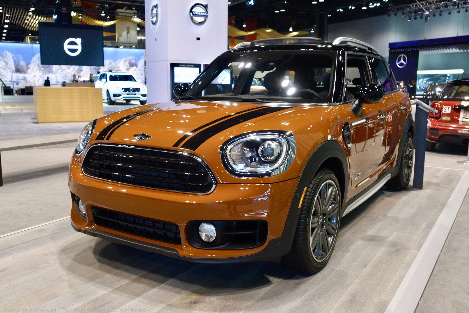 2017 chicago auto show the all new mini countryman. Black Bedroom Furniture Sets. Home Design Ideas