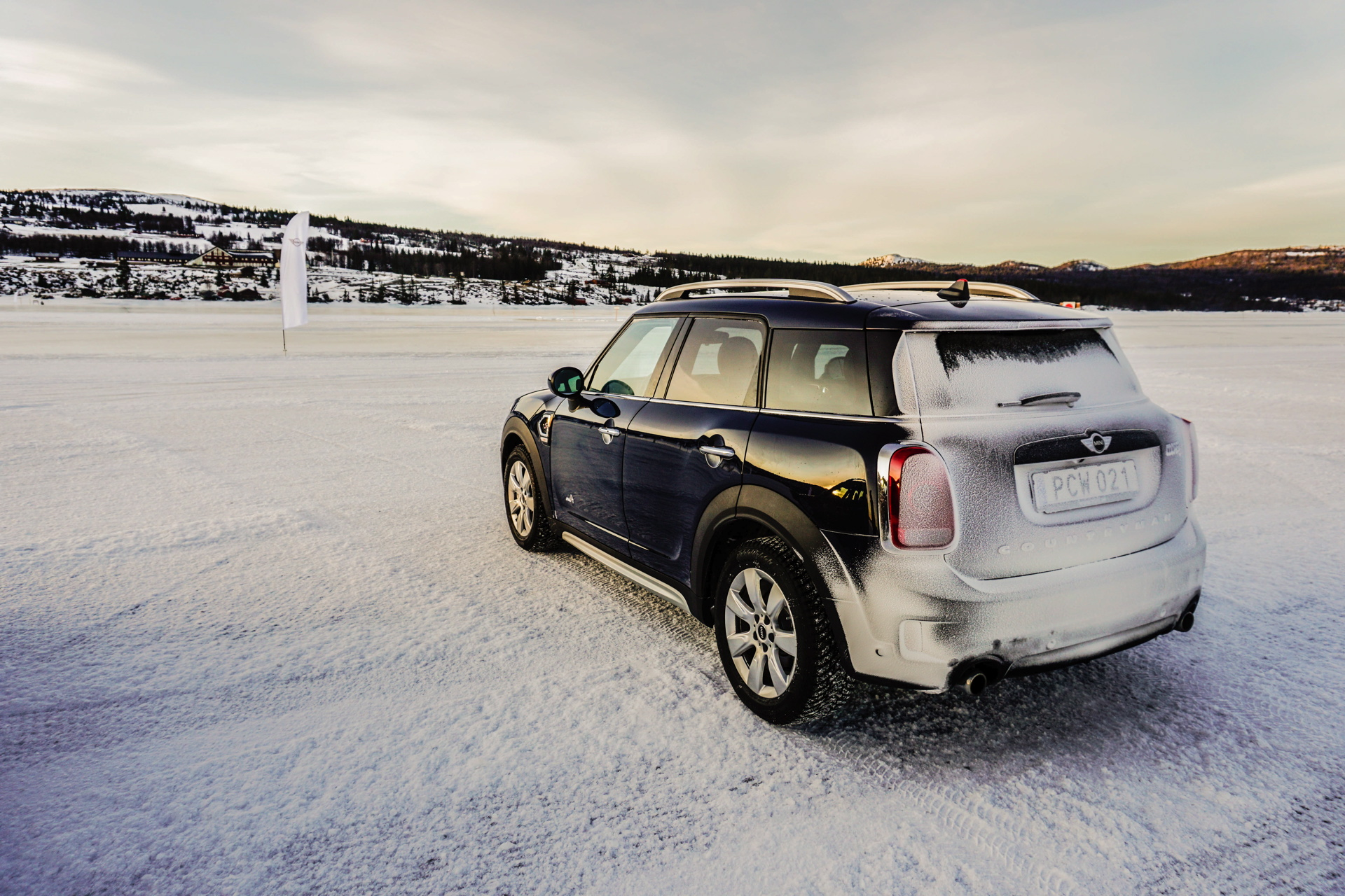 2017 MINI Countryman test drive 09