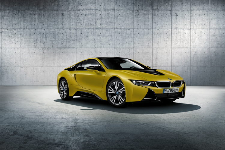 BMW i8 Protonic Frozen Yellow 01 750x500
