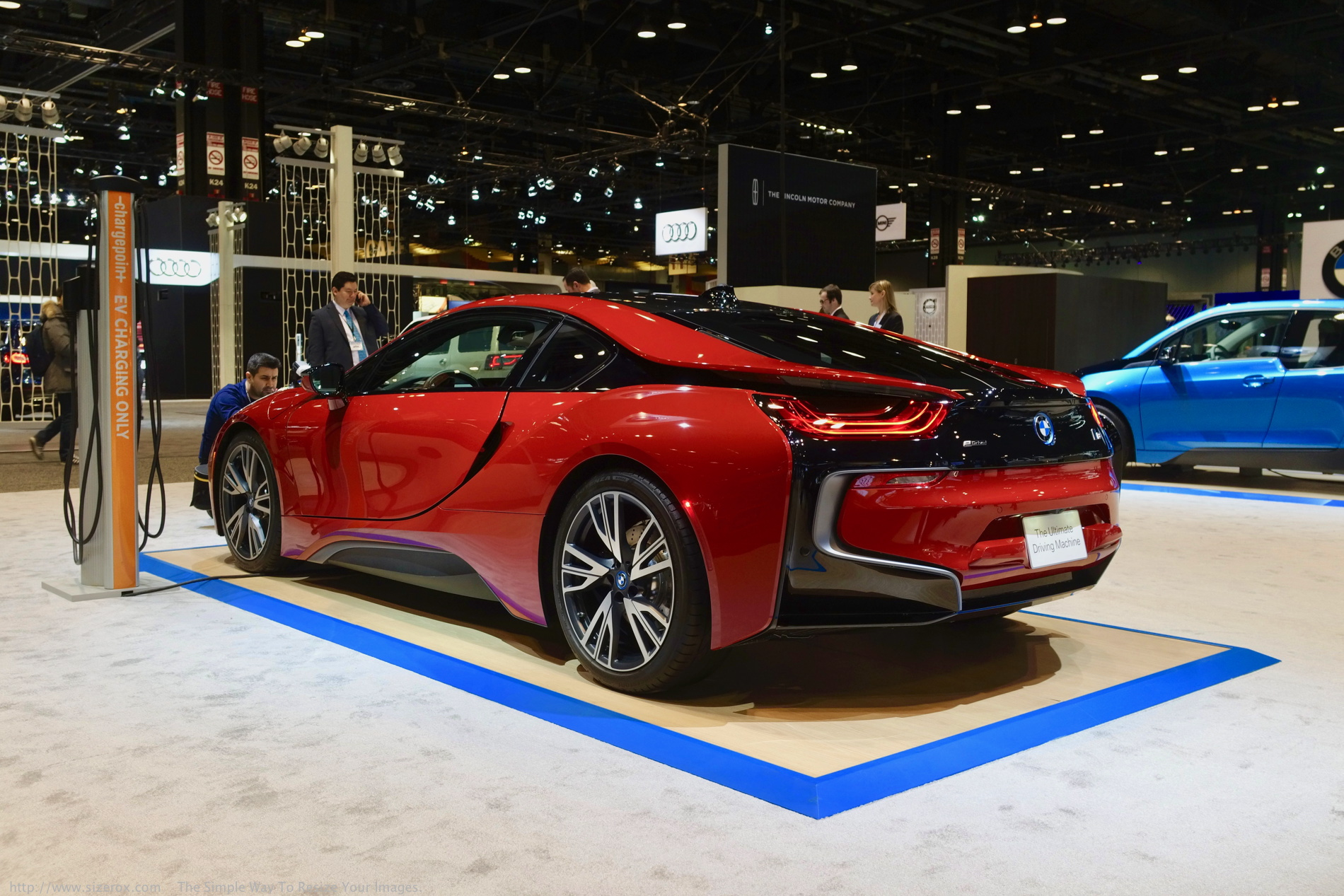 2017 chicago auto show the new bmw i8 protonic red. Black Bedroom Furniture Sets. Home Design Ideas