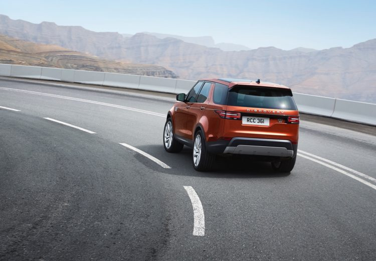 Land Rover Discovery2 750x521