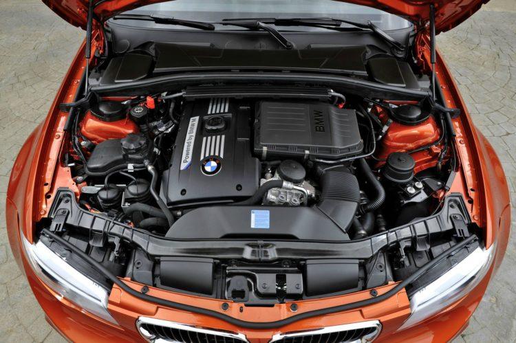 N54 BMW 1M 750x499